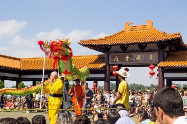 Templo Zu Lai celebra a chegada do tradicional Ano Novo Chinês