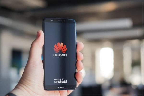 China pede que EUA parem com 'perseguição irracional' contra Huawei.