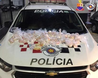 Polícia Militar prende indivíduo por crime de tráfico de drogas em Itapevi