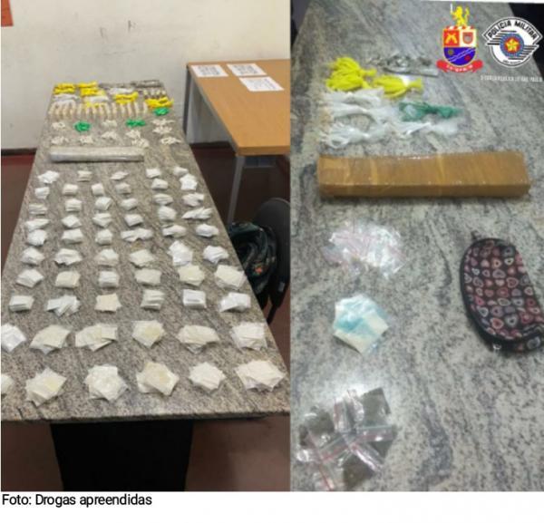 Polícia Militar detém um homem e uma mulher por crime de tráfico de drogas em Itapevi