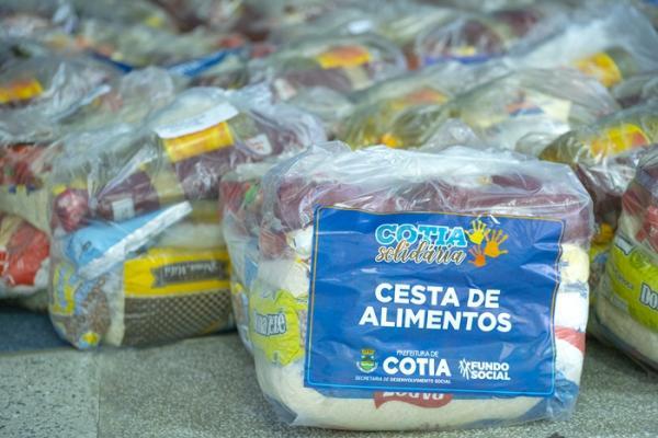 'Cotia Solidária' já distribuiu quase 40 mil cestas de alimentos durante a pandemia