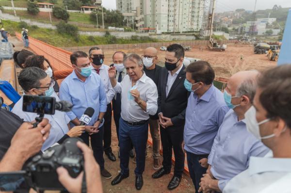 Autoridades visitam obras do Hospital Regional