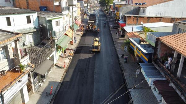 Rua Adoniram Barbosa recebe mais de 11 mil metros quadrados de recapeamento