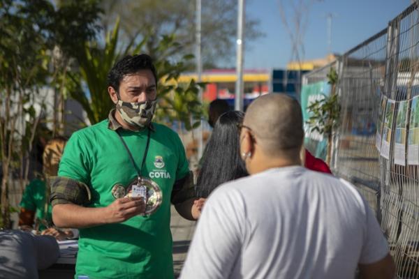 Dia da Mata Atlântica é lembrado com doação de mudas em polo de vacinação