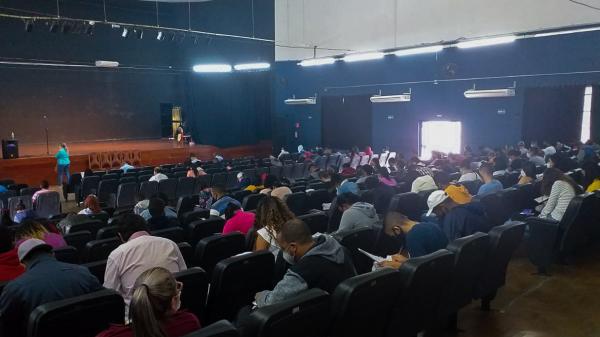 Casa do Trabalhador de Jandira realiza processo para mais de 100 oportunidades de trabalho e anuncia novas vagas de emprego disponíveis