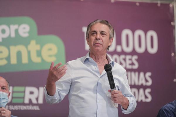 Rubens Furlan fala em coletiva sobre a marca de 100 mil testes realizados em Barueri