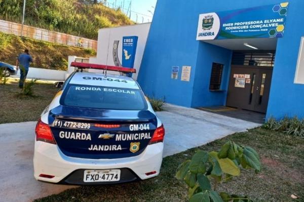 GCM Jandira apresenta Programa ESCOLCRIM