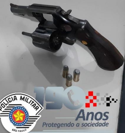 Polícia Militar apreende um adolescente por porte ilegal de arma em Jandira