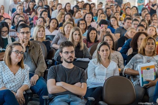 Educadores da rede municipal de Cotia participam de encerramento do projeto Diversa Presencial