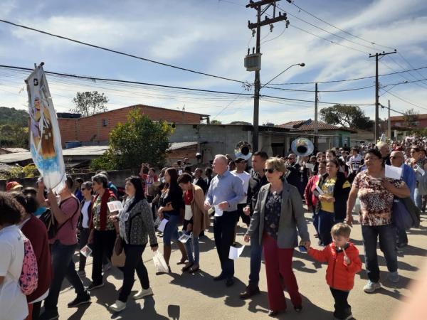 Romaria de Vargem Grande Paulista ao bairro do Carmo recebe cerca de 2 mil participantes