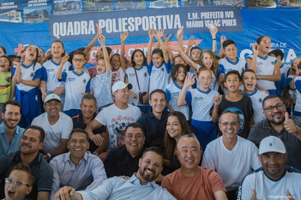 Rogério Franco entrega a quadra da EM Pref. Ivo Mário Isaac Pires, em Caucaia